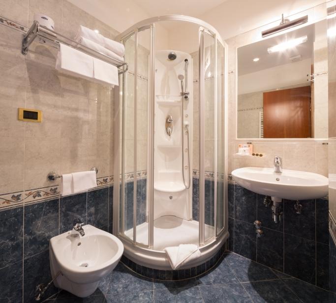 Chambre Triple - Hotel Raffaello Rome 3 étoiles
