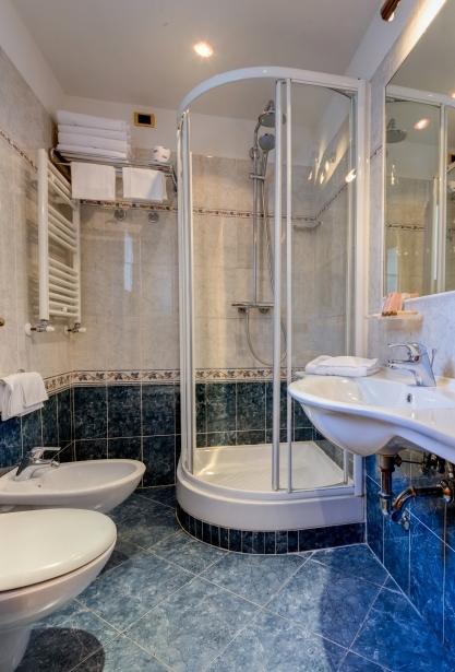 Quarto Familiar - Hotel Raffaello 3 estrelas em Roma