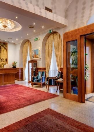 Hall - Hotel Raffaello Roma 3 estrelas